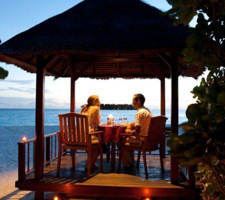 Banyan Tree Vabbinfaru In villa dining