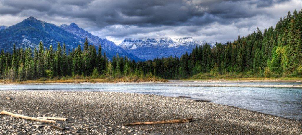 Fraser River, Mount Robson, Canada