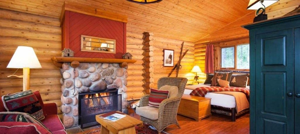 Cathedral Mountain Lodge