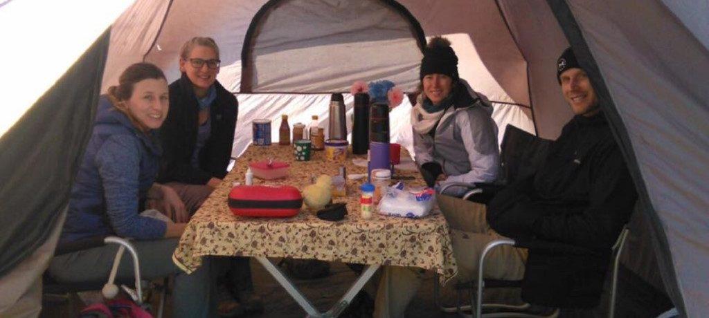 Tent voor ontbijt, lunch & diner