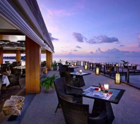 Dusit Thani Maldives Ben jarong