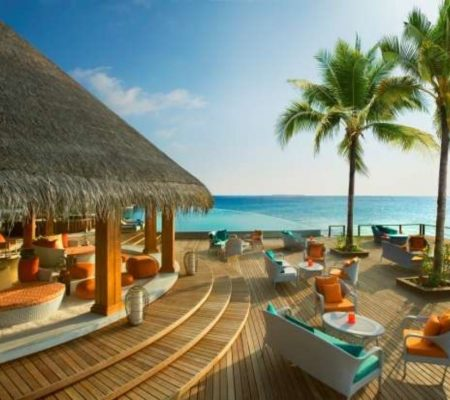 Dusit Thani Maldives Sand Bar